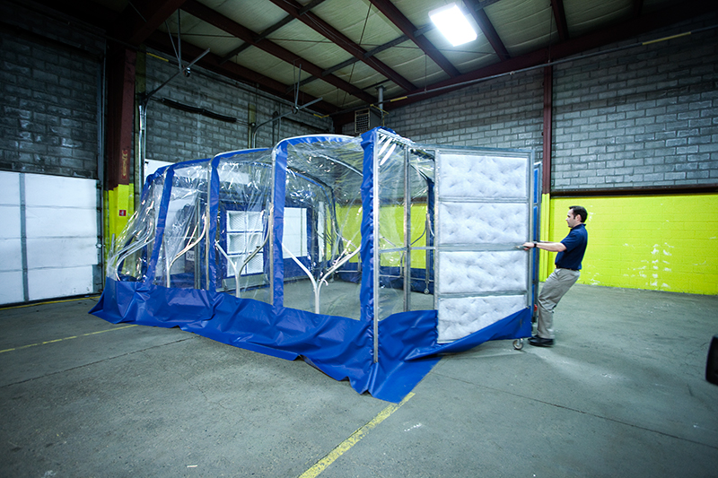 portable retractable spray booths